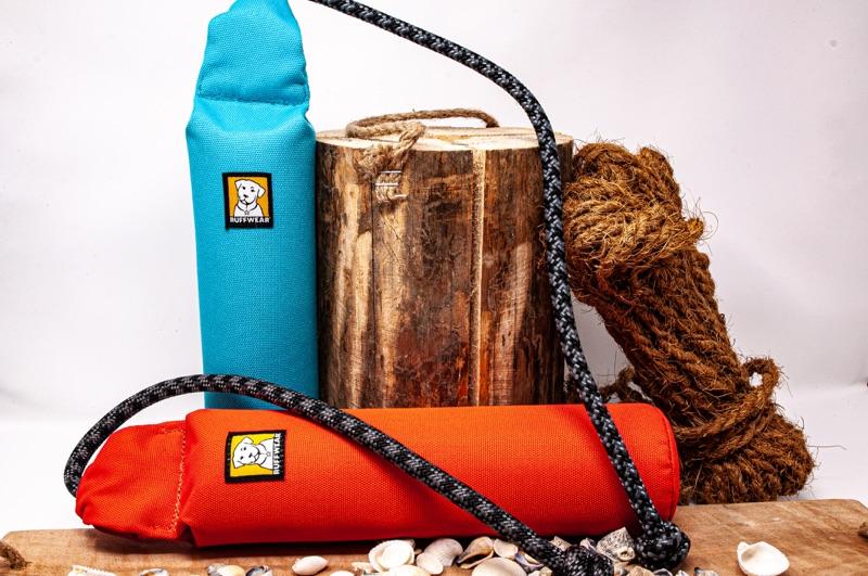 schwimmfähiges Apportierspielzeug mit Seilgriff