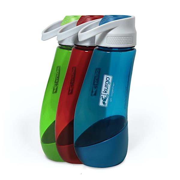 Wasserflasche für den Hund für unterwegs in drei Farben