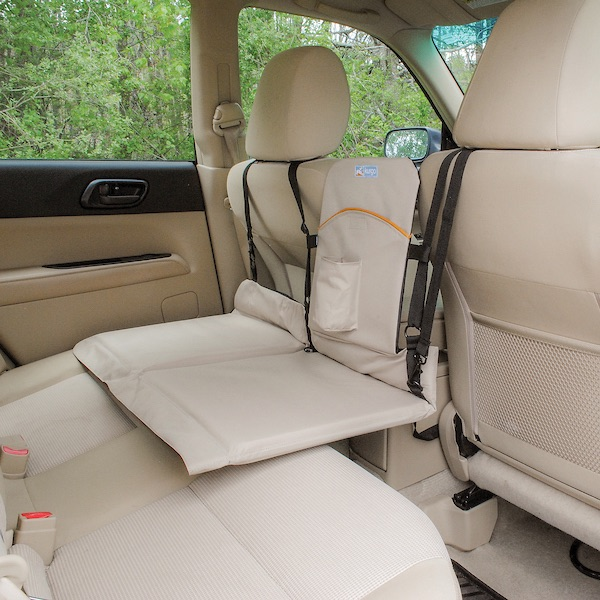 Backseat Bridge schliesst die Lücke zwischen Vorder- und Rücksitz - Farbe beige