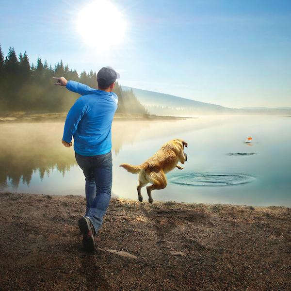 Dein Hund und du werden diese über das Wasser hüpfende Steine lieben.