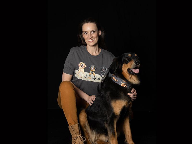 Hovawart T-Shirt mit Frau und Hund